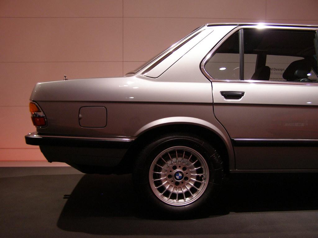 BMW M5 (1984)   BMW Museum: \