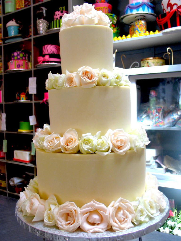 3 Tier Wicked Chocolate Wedding Cake Iced In Smooth White Flickr