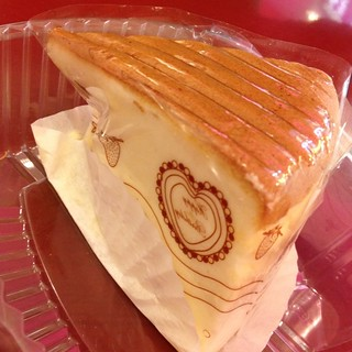 American Cheesecake @ mong kok station bakery | by SarahDares
