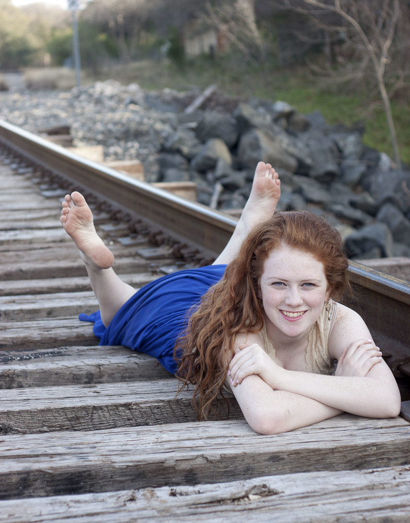 Redhead feet pictures
