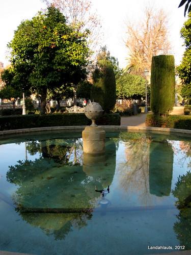 Fuente de la bomba jardines del paseo de la bomba flickr for Bombas para fuentes de jardin