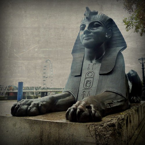 Egyptian sphinx and the EYE | by jjamv