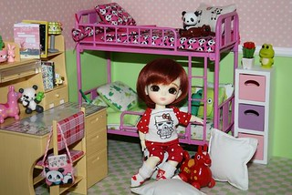 Erine in the girls bedroom... | by *Peluche*
