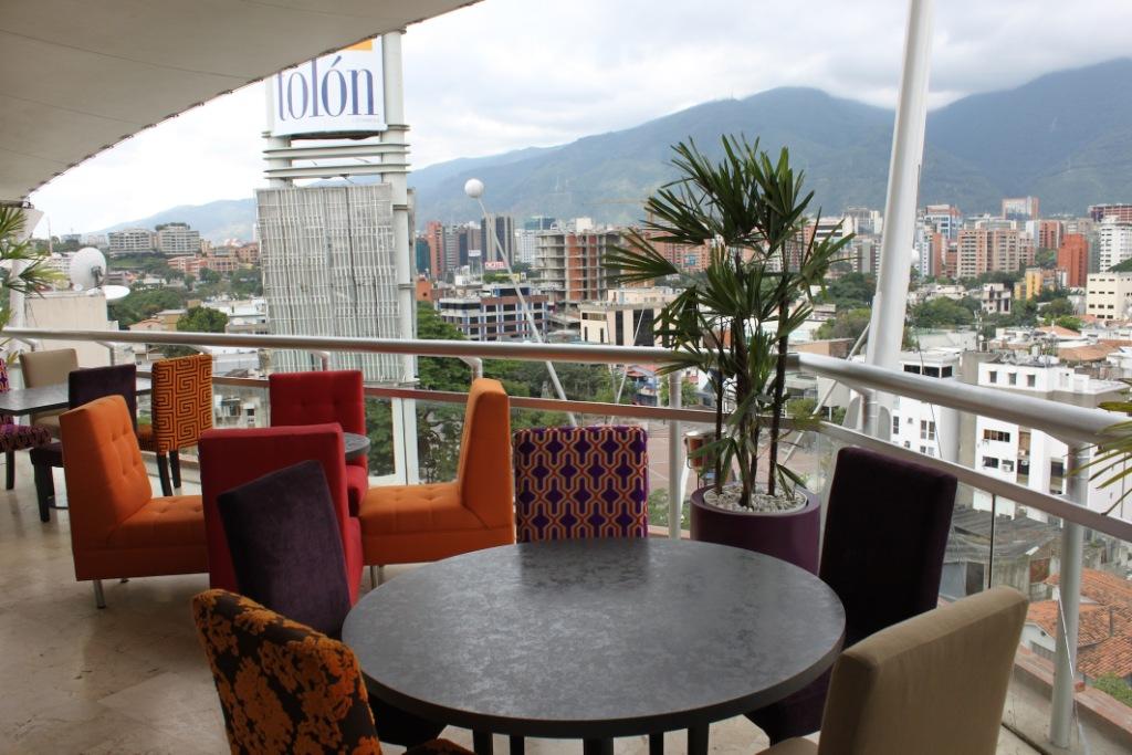 Terraza Lounge Il Grillo Tolón María Luisa Ríos Lares