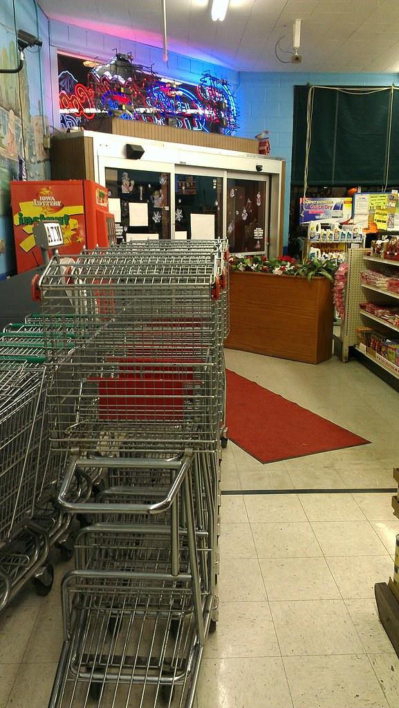 Des Moines Shopping >> Linn S Supermarket 6th Avenue Des Moines Iowa Shopp Flickr