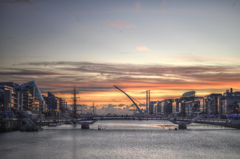 dublin sunrise sunrise by the liffey camera nikon d5000 l flickr
