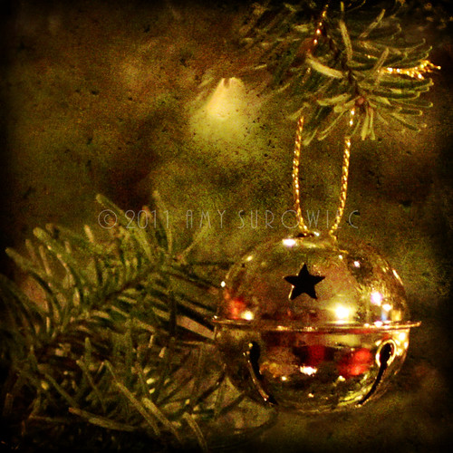gold Christmas ornament | by bunnyfrogs