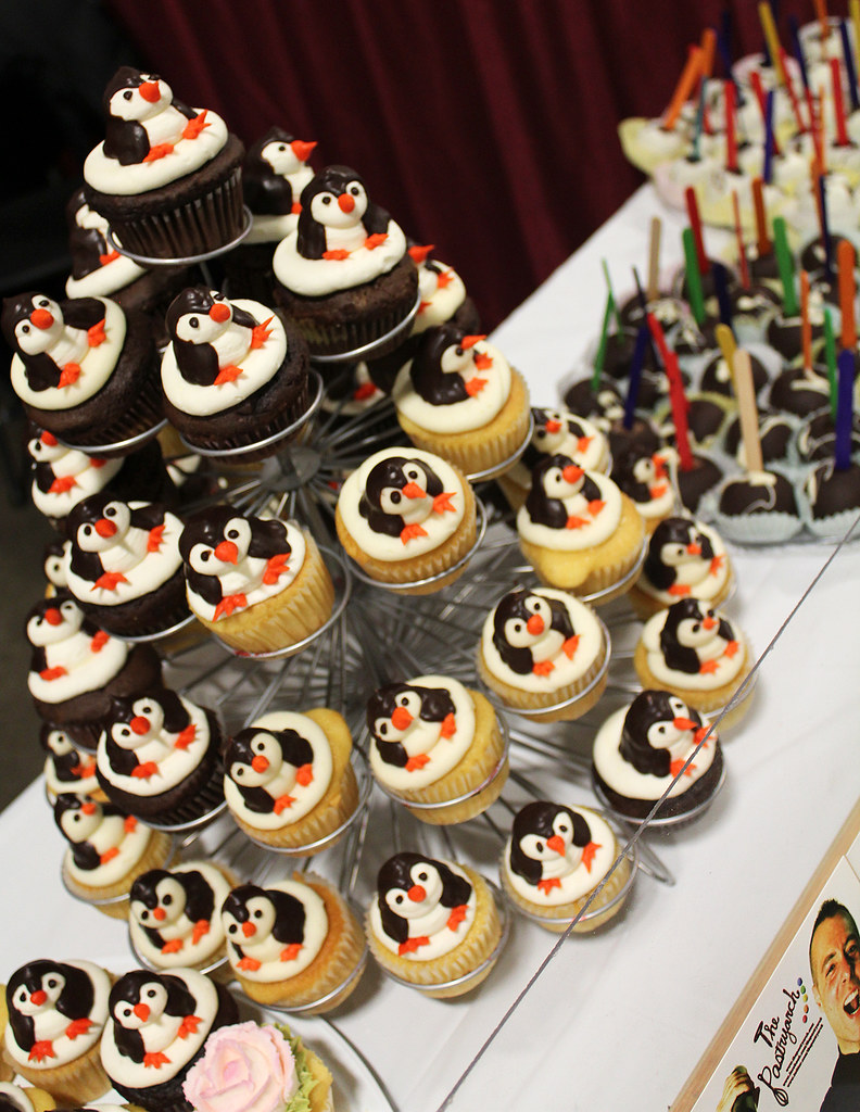 Penguin Cupcake Tower At Chocolate World Expo By Tony The Flickr