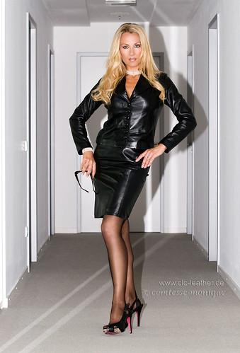 Cm black leather suit office 1 comtesse monique flickr - Cm Black Leather Suit Office Comtesse Monique Flickr