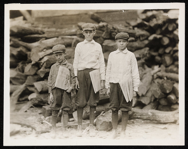 Lewis Hine, Newspaperboys