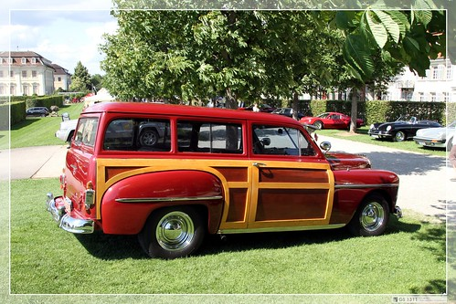 1950 Plymouth Suburban Woody Station Wagon 01 Plymouth