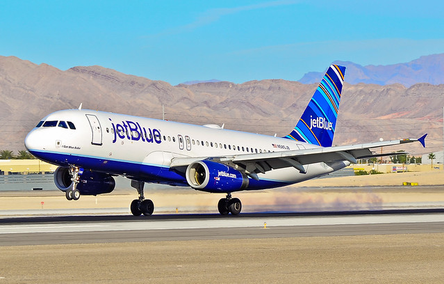 "N585JB JetBlue Airways  2004 Airbus A320-232 C/N 2159 ""I Got Blue Babe"""