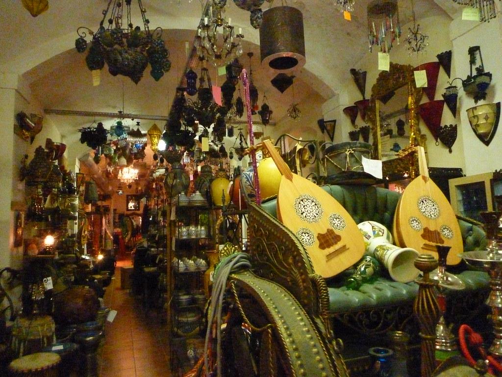 Artesania En La Tienda Raices Del Mar Rojo Barcelona Flickr