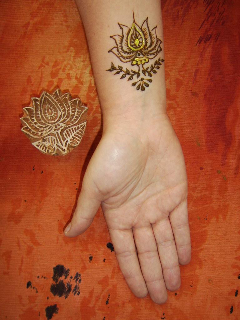 Henna Lotus Inspired By Wooden Stamp Henna Done Differen Flickr