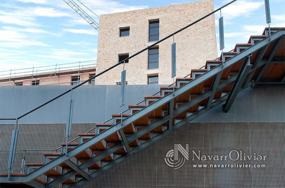 Escalera De Metal Y Madera Para Exteriores Escalera Para E Flickr - Escaleras-de-madera-para-exteriores