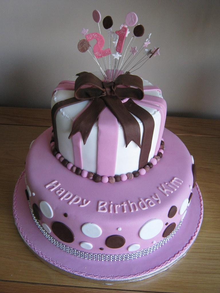 Kims 21st Birthday Cake Vanilla Sponge Cakes With Strawbe Flickr