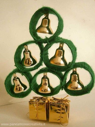 Christmas tree with the cardboard tubes | by Linda (Pane, amore e creatività)