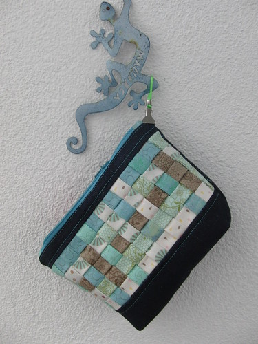Woven Pouch for K.- is the pattern something you could like??? | by ayliN--Nilya