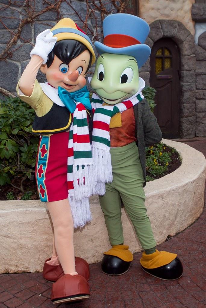 Meeting Christmas Pinocchio and Jiminy Cricket | Fantasyland… | Flickr
