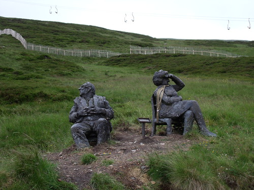 Glenshee Ski-Centre - Statues of an old couple, Cairngorm Mountains, Aberdeenshire, Scotland | by Caledoniafan (Astrid)