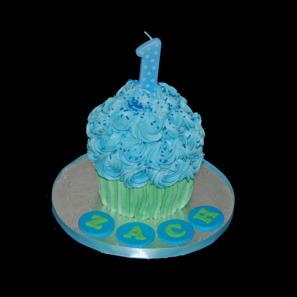 giant cupcake cake first birthday smash cake blue and gree Flickr