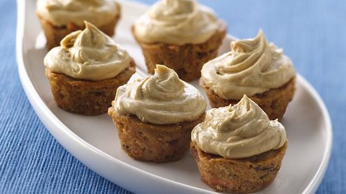 Mini Carrot-Spiced Cupcakes with Molasses Buttercream Recipe | by Pillsbury.com