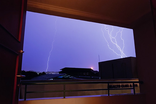 850C6286- Framed lightening | by Zoemies...