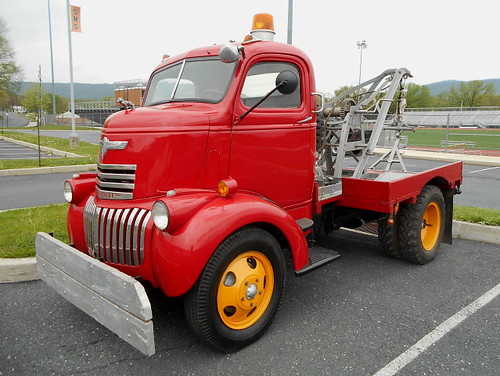 New Chevy Truck >> 1941-46 Chevy COE Wrecker | With 3-ton Weaver Auto-Crane tow… | Flickr