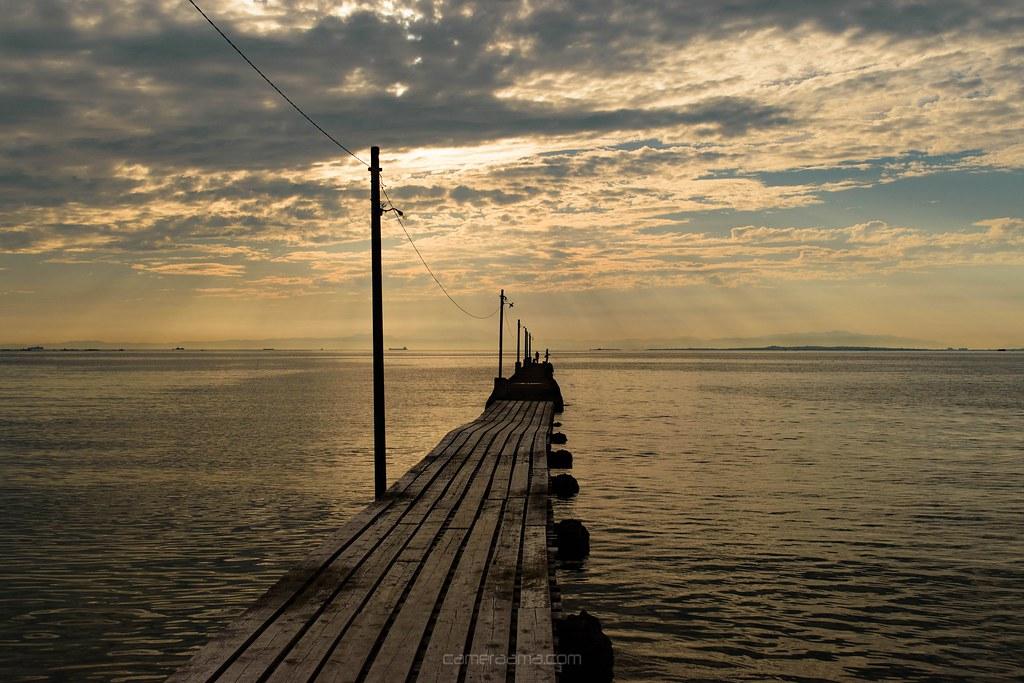 夕焼け前の原岡海水浴場