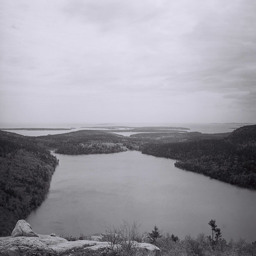 VIEW OF JORDAN POND AND BEYOND | by Tomb Land