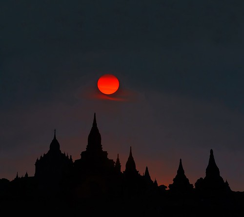 Bagan twilight | by Tati@