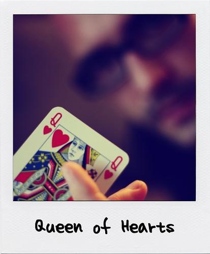 explore queen hearts card