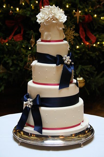 Last wedding cake of 2011 | by Cotton and Crumbs
