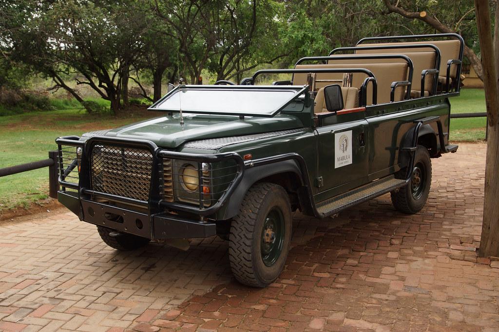 The Vehicle For Safari Land Rover Defender I Prefer Land Flickr