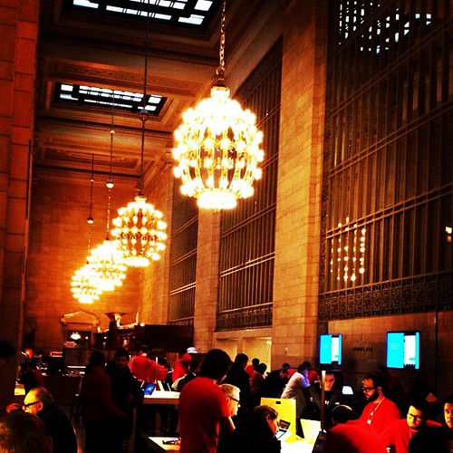Iconic New Apple Store at Iconic Grand Central Terminal | by plaintruthiness