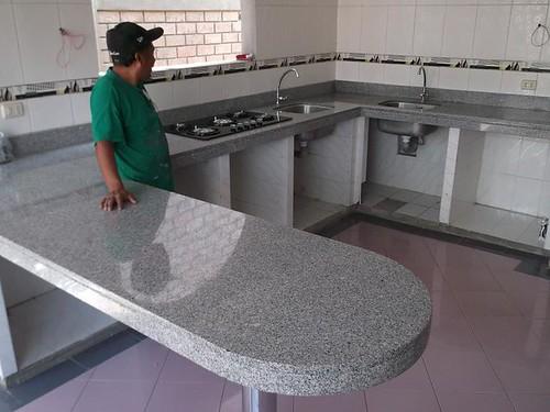 Encimera cocina granito blanco serena isla encimeras - Encimera granito blanco ...