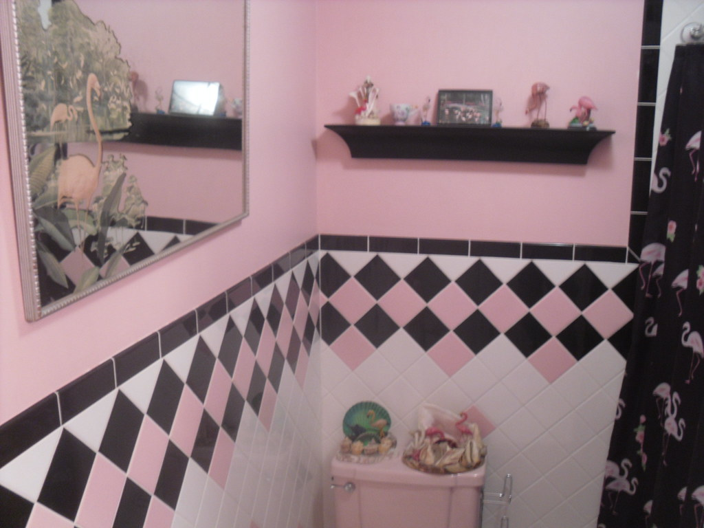... MY PINK FLAMINGO BATHROOM | By The Atomic Kid 1959