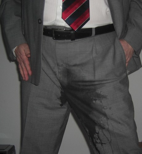 Pissing suit