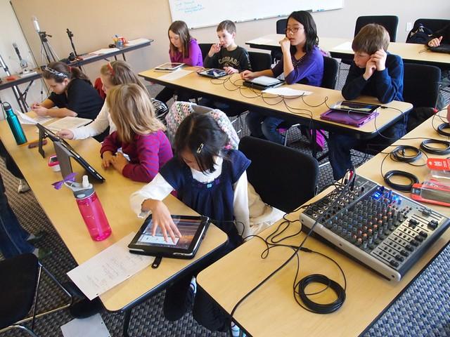 МОН скасувало роздільне навчання хлопчиків і дівчаток на уроках праці в школах