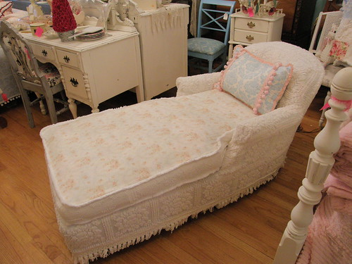 shabby chic chaise lounge by vintage chic furniture schene flickr. Black Bedroom Furniture Sets. Home Design Ideas
