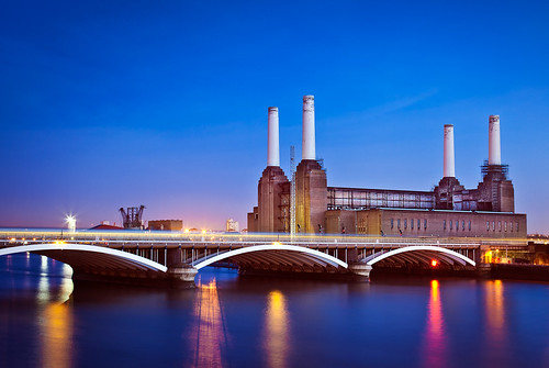 Battersea Power Station from Chelsea Bridge London UK | by Mark Colliton