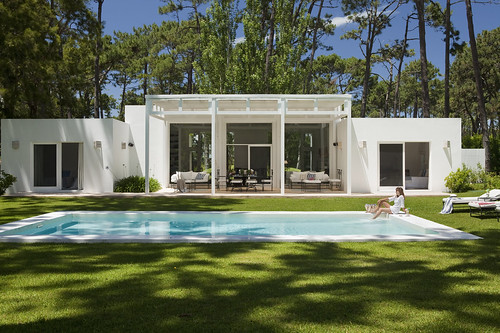 Revista arquitectura y dise o de espa a punta del este for Revistas arquitectura espana
