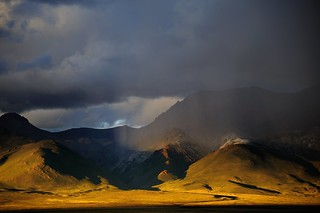 Sunset and a very local blizzard in the Gang Ti Se Mt range, Tibet | by reurinkjan