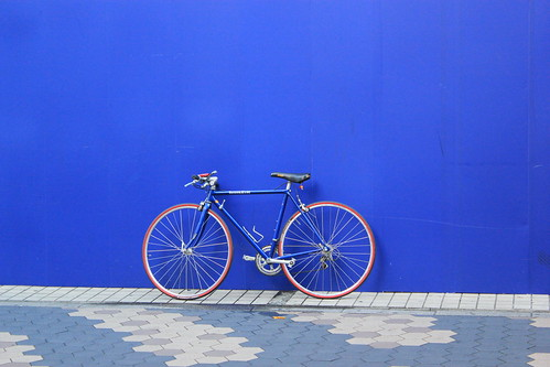 Bicycle against a blue background in Japan | by londoncyclist
