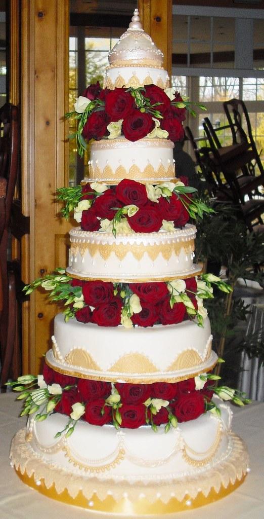 5 Stockige Hochzeitstorte Mit Roten Rosen Ute Kosmell Flickr