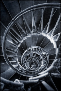 UK - London - Monument spiral crop | by Darrell Godliman