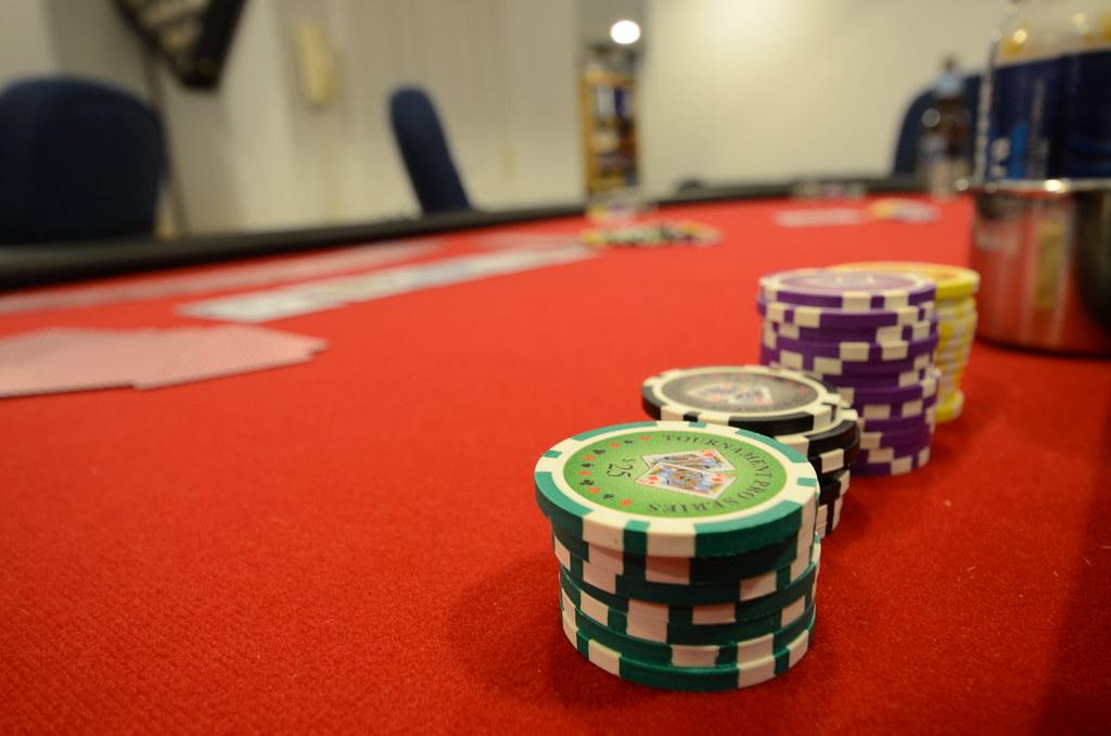 Poker TablePoker Table - slgckgc - Flickr - 웹