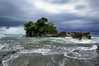 #850A7368- Temple in the sea | by Zoemies...