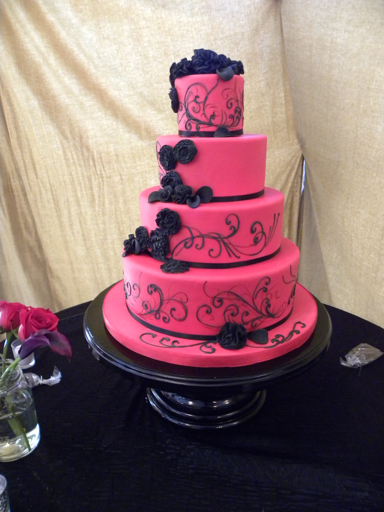 Red and Black Wedding Cake | www.tiffanysbakingco.com | Flickr