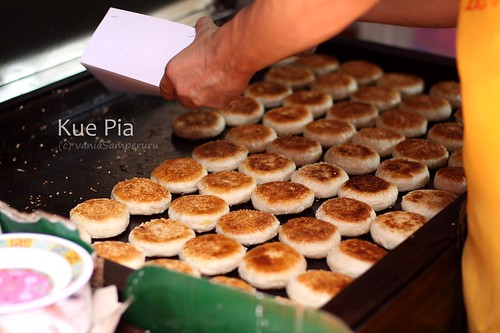 The BEST Kue Pia in the city. | by The Samperuru